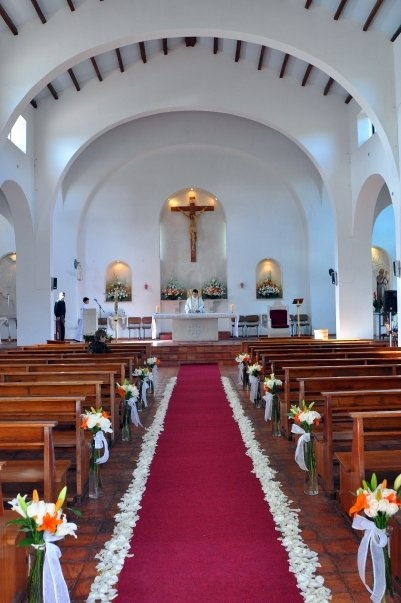 9 best images about decoraciones iglesia on pinterest for Decoracion iglesia boda