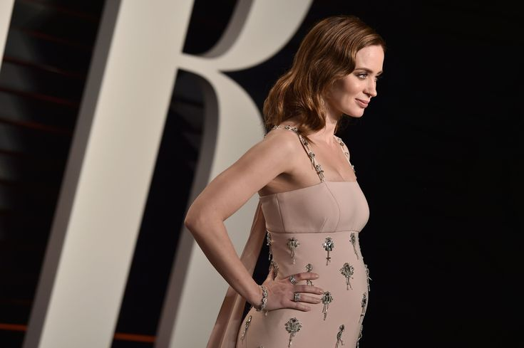 February 28: 2016 Vanity Fair Oscar Party Hosted by Graydon Carter - 041 - Adoring Emily Blunt | Photo Archive | for all your emily blunt media needs
