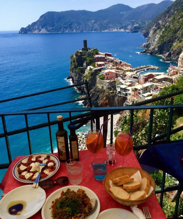 Lunch time vernazza Italy