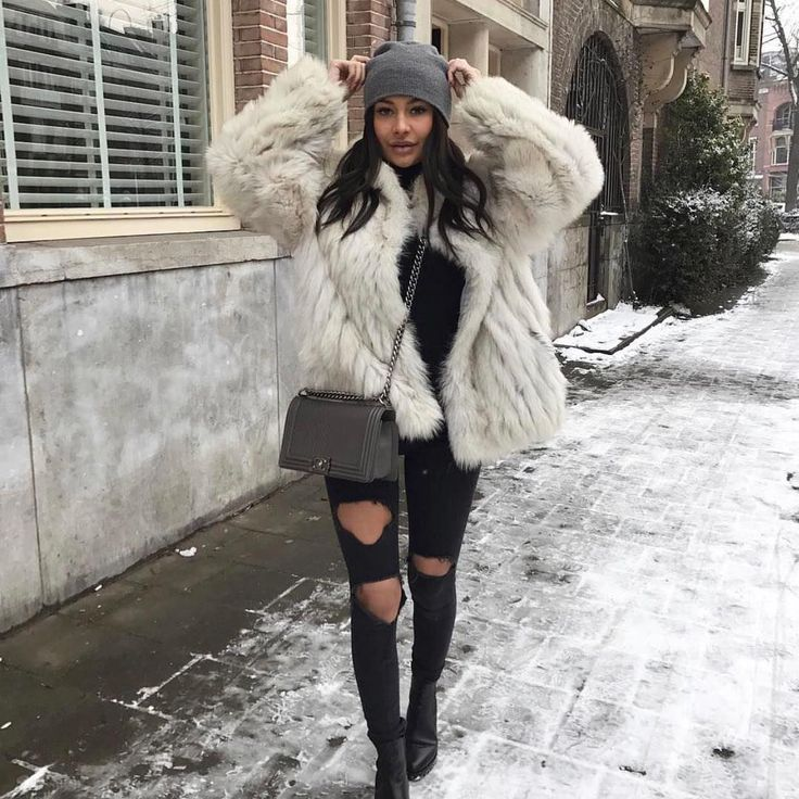 1,315 vind-ik-leuks, 2 reacties - United Wardrobe App (UW) (@unitedwardrobe) op Instagram: '@amberceline her closet just went live! Check the link in her bio or search for 'Amber Celine' in…'