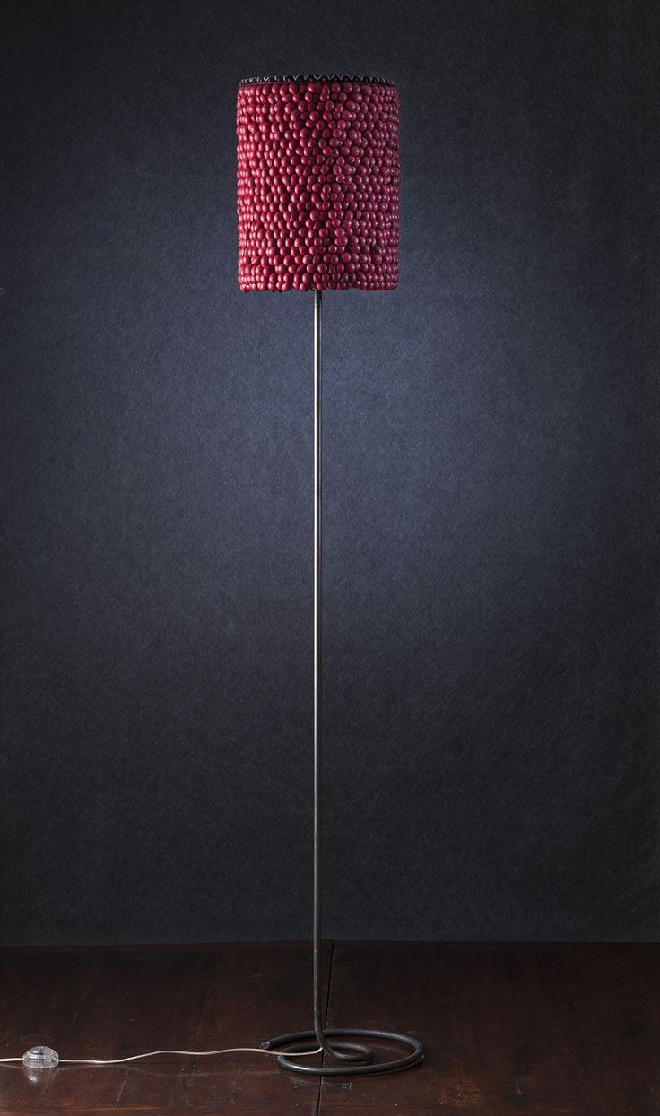 Modellata - Lampada da terra con diffusore in pelle e seta, base in ferro verniciato.     Modellata - Floor lamp with lampshade made of leather and silk, painted iron base. #lamp #fabric #art #interiordesign #furniture