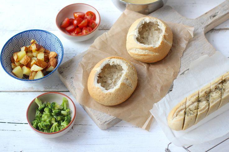 Kaasfondue in een broodje