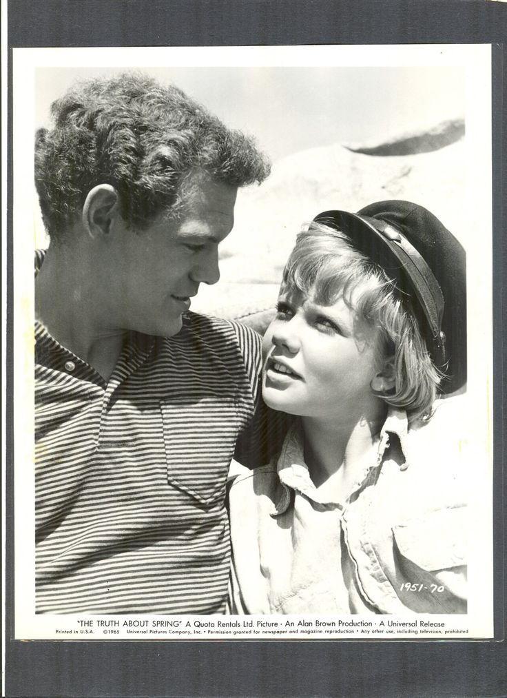 Loved this movie as a kid... must find it for my kids!  James MacArthur & Hayley Mills 1965 The Truth About Spring