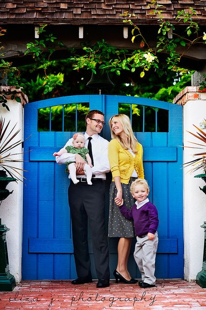 Family: Colors Combos, The Doors, Families Pictures, Blue Doors, Families Poses, Photos Shoots, Families Photos, Families Pics, Bright Colors