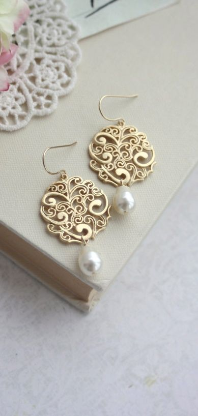 Gold Paisley with Ivory Pearls Chandelier Drops Filigree Earrings, Ivory and Filigree Gold, Bridesmaids Gift. Pearl Wedding. By Marolsha.
