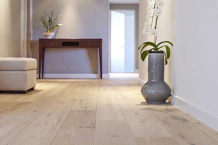 Berea  Floor Specification  Type: Oggie Fsc European Oak Oliato Distressed Edge Greymist (Prefinished)  Thickness: 15/4mm  Width: 220mm  Length: 2200mm  Finish: Woca Denmark Oils