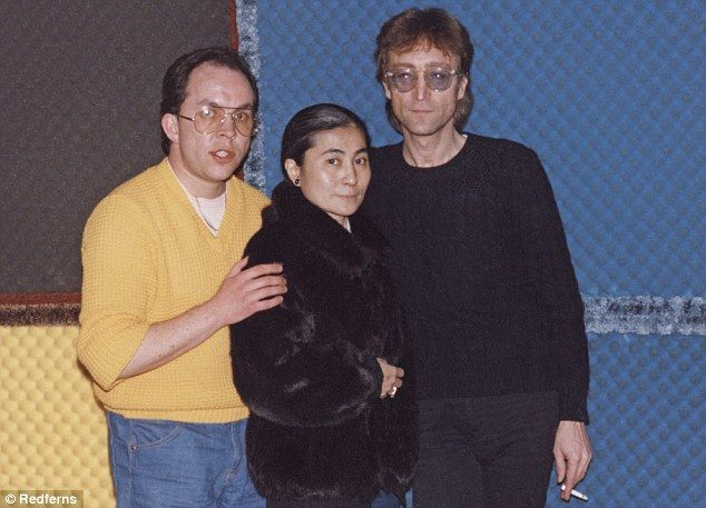 Poignant: Andy Pebbles poses for a photo with John Lennon and Yoko Ono before their 1980 interview. Two days later, Lennon was shot dead