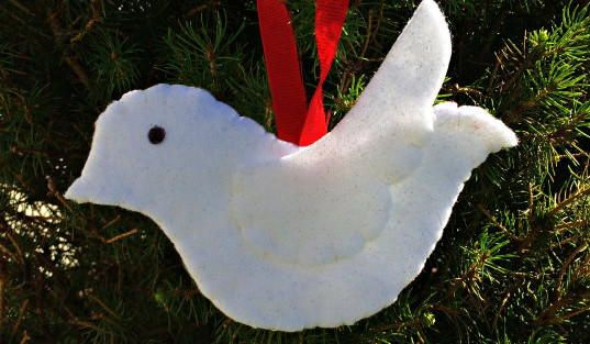 Lovely Dove DIY Ornament   This Christmas craft will spruce up your tree in the most adorable way!