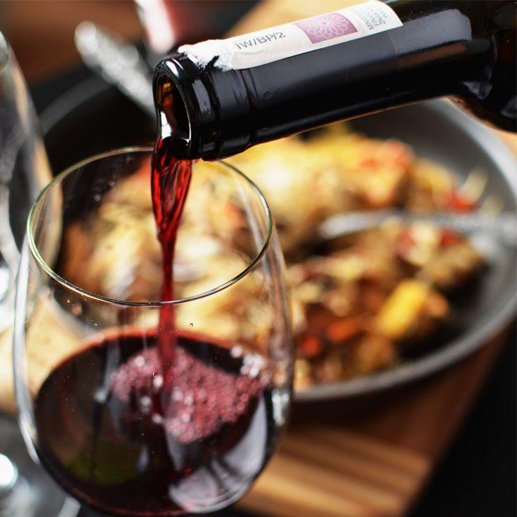 FRIYAY! Omdat het bijna weekend is hebben we alvast de beste wijnbars van Nederland voor je op een rijtje gezet! 🍷 Welke is jouw favoriet? 😁