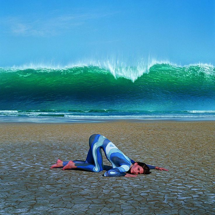 Deepest Blue, «Waves», 2004., Storm Thorgerson