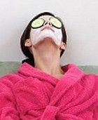 Recept på hemmagjord ansiktsmask – flera olika för exempelvis torr hy, fet hy och åldrande hy.