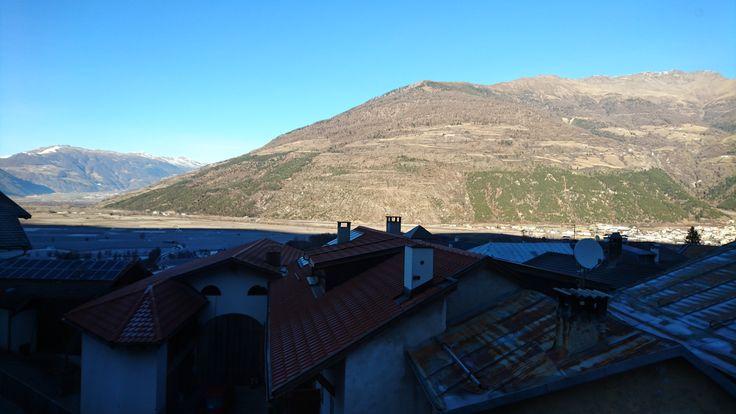Im Dorf Tschengls scheint den halben Winter keine Sonne
