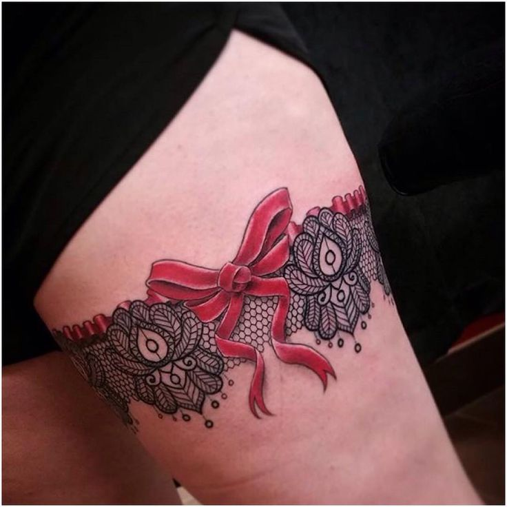 30 Sexy Garter Belt Tattoo Designs for Women