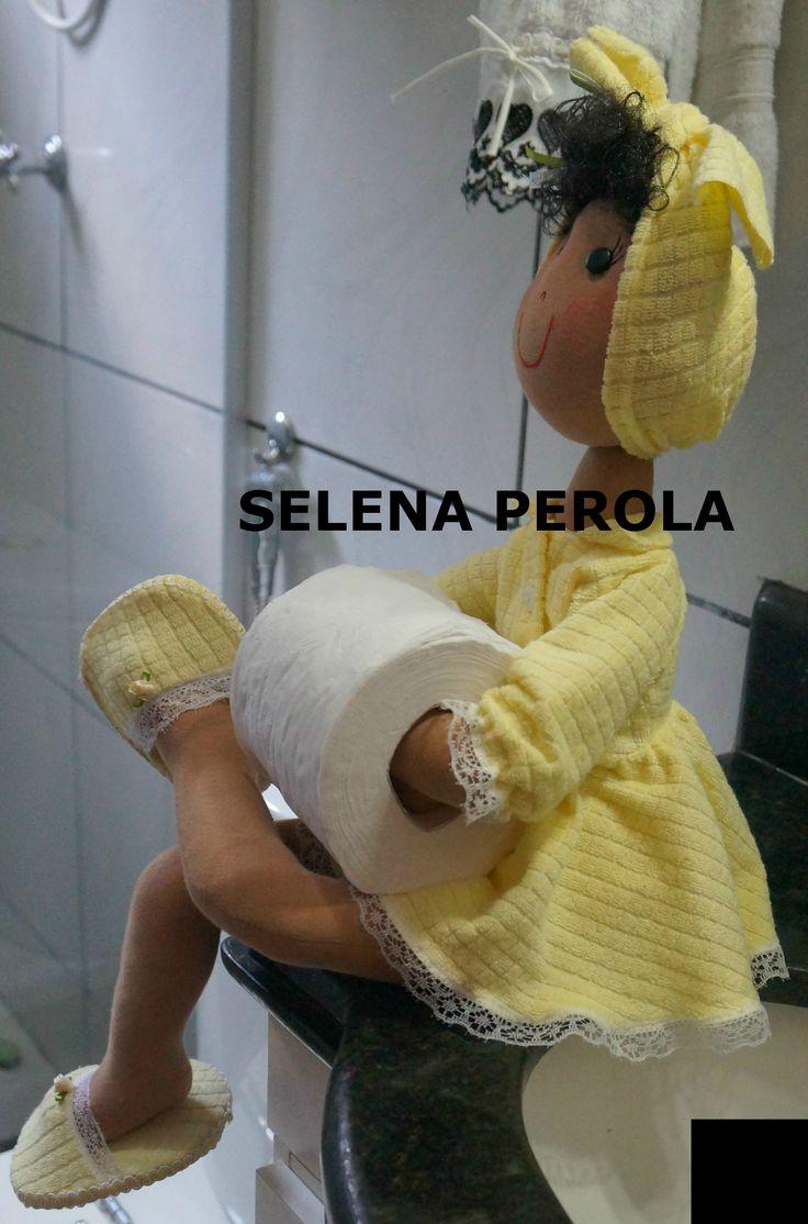 Boneca feita por Selena Perola-BONECA PORTA PAPEL HIGIÊNICO