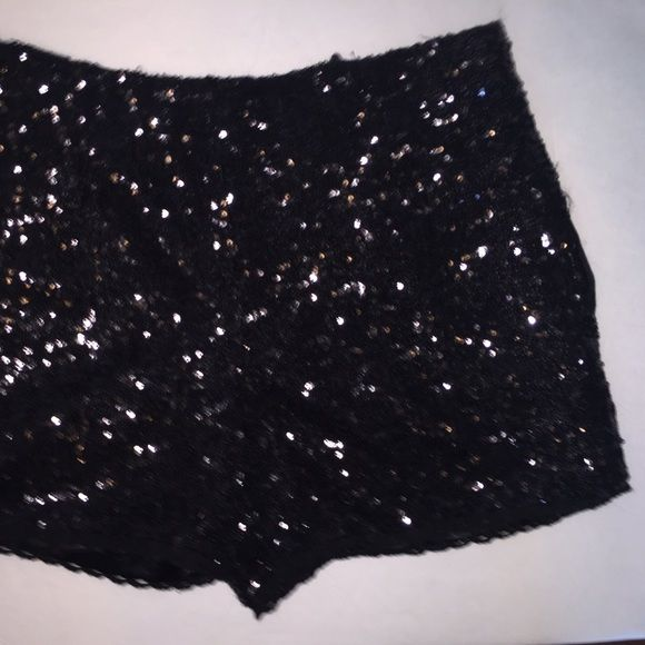 Sequined shorts • black sequined shorts • brand : olivaceous Necessary Objects Shorts