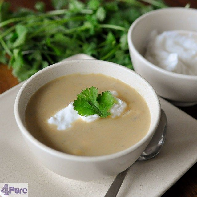 Spicy parsnip soup, creamy and full of flavor. A recipe with heirloom vegetables.