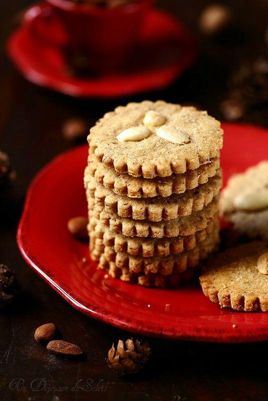 Un dejeuner de soleil: Biscuits sablés aux amandes