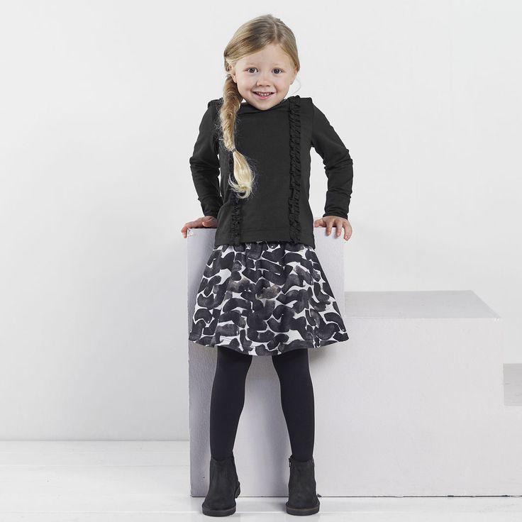 NEULE collegehame, roosa - musta | NOSH verkkokauppa | Tutustu nyt lasten syksyn 2017 mallistoon ja sen uuteen PUPU vaatteisiin. Ihastu myös tuttuihin printteihin uusissa lämpimissä sävyissä. Tilaa omat tuotteesi NOSH vaatekutsuilla, edustajalta tai verkosta >> nosh.fi (This collection is available only in Finland)