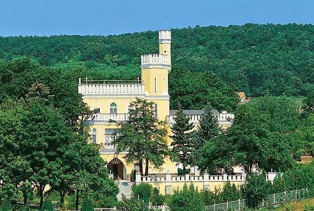 Beautiful Hungary: Sir Dávid Balaton kastély Balatonszepezd