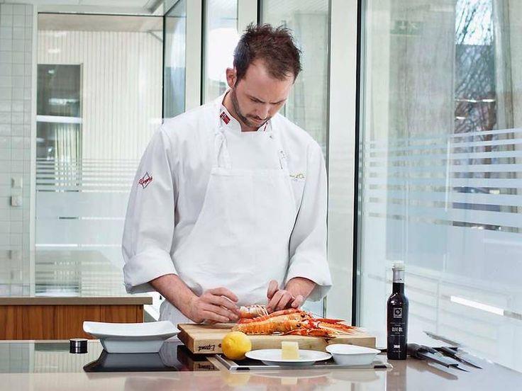 Verdens beste kokk. Ørjan Johannessen mener hummer er oppskrytt. I D2s spalte Kokken & havet deler Bocuse d'Or-vinneren sine beste sjømatoppskrifter.