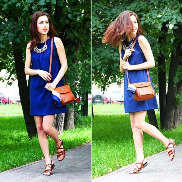 """Прогулка в стиле Casual от Катерины Высоковской - fashion блогер @Buro247RU и @Topbeauty_Magazine """"И кто сказал, что стиль """"кежуал"""" весьма скучен? По-моему, из всего можно сделать конфетку. А в одежде, определенные сочетания цветов и аксессуары творят чудеса."""" Напоминаю, синее платье UONA сейчас в разделе """"Распродажа"""" на UONA.ru с очень хорошей скидкой!"""