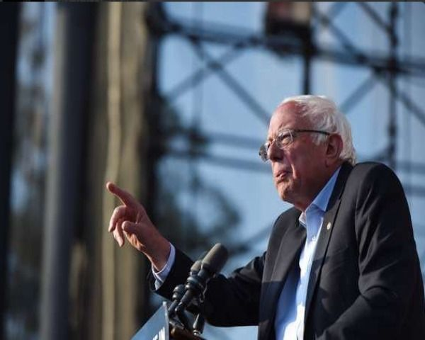 """Bernie Sanders News: Changing the Democratic Party Through the """"Platform Committee"""" - http://www.morningledger.com/bernie-sanders-news-changing-democratic-party-platform-committee/1374743/"""