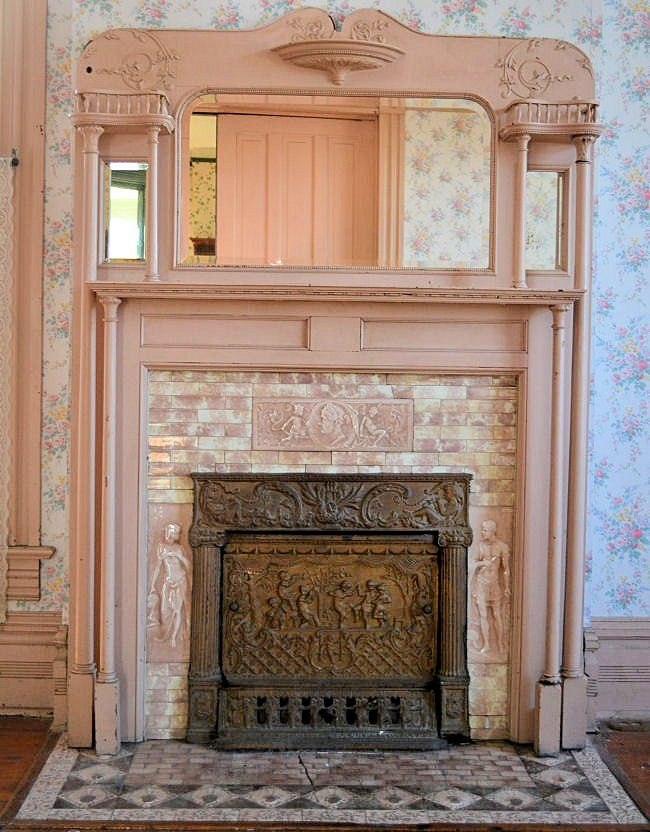 Arkansas salvage project picture gallery mantels Victorian columns