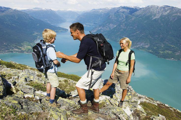 Samen wandelen naar de mooiste uitkijkpunten in Noorwegen!