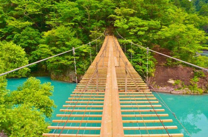 《静岡県》寸又峡(すまたきょう) 海外の前に日本でしょ! Instagramで話題の「日本の絶景スポット」20選 | RETRIP
