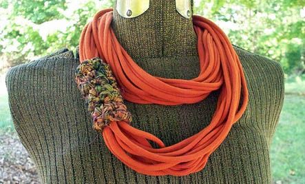 You can make a chic necklace like this from old t-shirts!