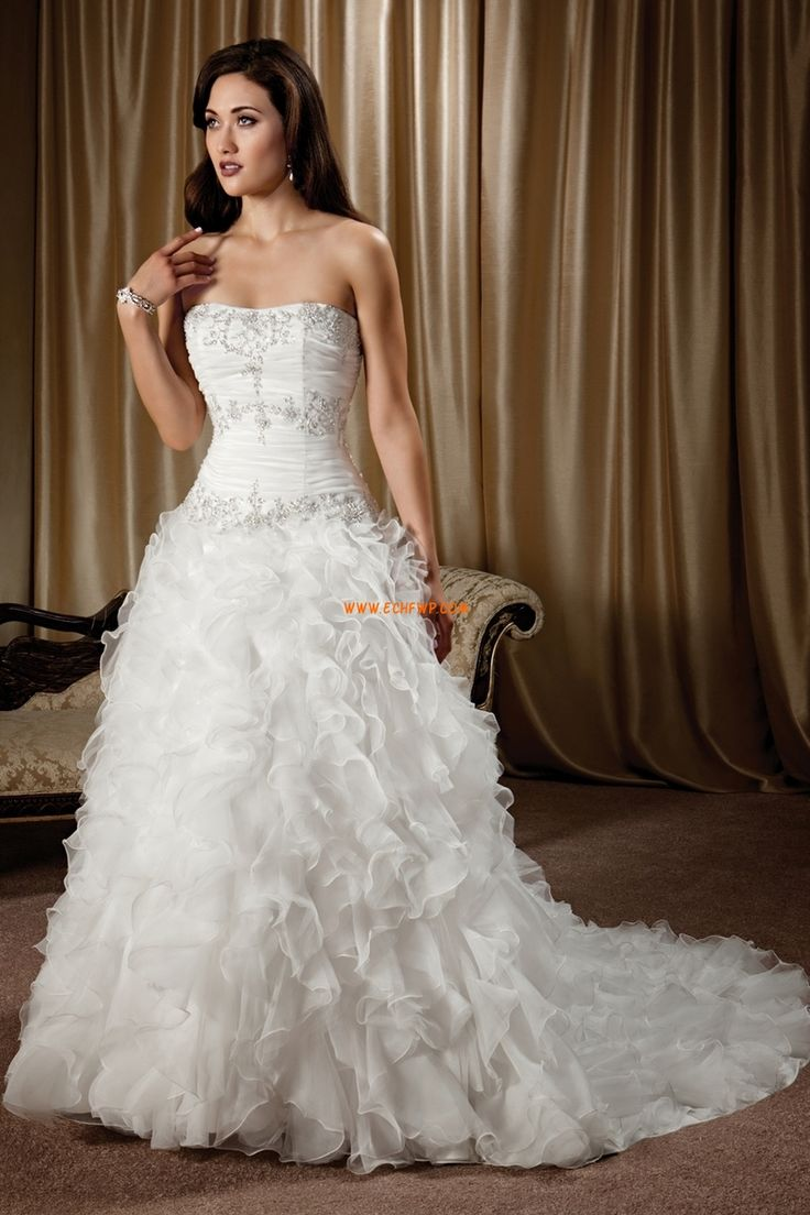 Court Släp Plus storlekar Naturlig Lyx Bröllopsklänningar