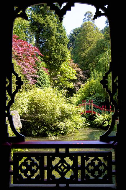 Portal… Looking through this image, you get transported! LOVE!!!! Biddulph Grange gardens