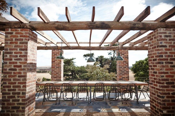 There's nothing quite like the grandeur of reclaimed posts and beams. Stoic and magnificent, their history is tangible and they add richness to any setting. Case in point, this darling al fresco dining area in country Victoria featuring our recycled material. #swoon #timberrevival #recycledtimbermelbourne #recycledposts #recycledbeams #outdoortimber #melbournetimber #exteriortimber #timberwithastory #wemakeoldtimbernew