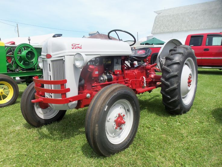 Ford 600 Tractor Farm : Best images about tractors on pinterest logos