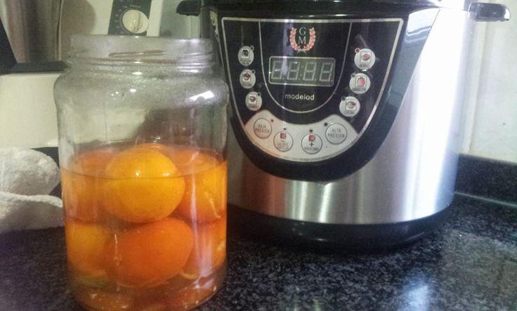 Mandarinas confitadas!! 7 mandarinas 1 vaso de agua 1 pizca de sal,menu cocina 3 min tiramos ese agua y ponemos 1 vaso y medio de agua y 1 de azucar menu horno y a guardar!!!!