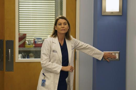 Grey's Anatomy Spoilers: What Happens to Meredith?(Return of Meredith - Grey's Anatomy Season 12 Episode 1)