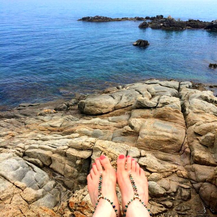 Heaven! Barefoot Slinks in Italy - lucky them #barefoot #Italy #holiday