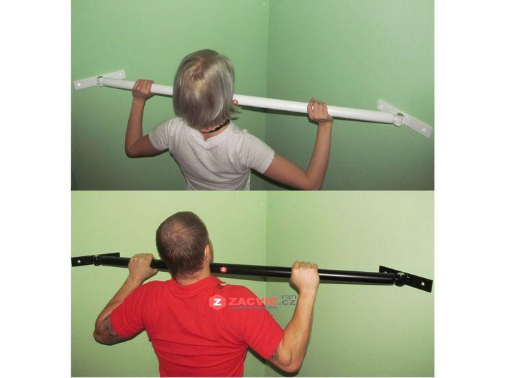 Touhle hrazdou vyřešíš problém s umístěním do stropu , nebo na stěnu.  Rohovou hrazda na shyby Zacvic  jednoduše namontuješ  a  rychle sundáváš . Funkční hrazda do malých prostorů, kamkoliv se ti zlíbí a chceš jí sundavat.    Bytelná  hrazda je  vzdálená  85cm od rohu  místnosti a poskytuje   dostatečný prostor od stěny pro  shyby nadhmatem ,  shyby podhmatem a dokonce i výmyk pro dospělého člověka není problém .    Každý  kloub je zajišten šroubem , který se dá  rychle imbus…