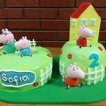#PeppaPig #home #PigFamily #Fondant #cake by Volován Productos #Puq #Chile #VolovanProductos