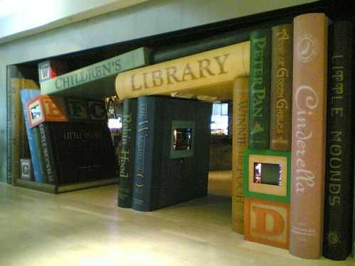 wow - this is a fabulous entrance to the childrens library