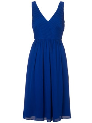 Recipe to look great in 2min: Plus size cobalt dress + golden bangles and shoes (Monsoon, up to size 18, £75)  Lovin' this one! ;o)