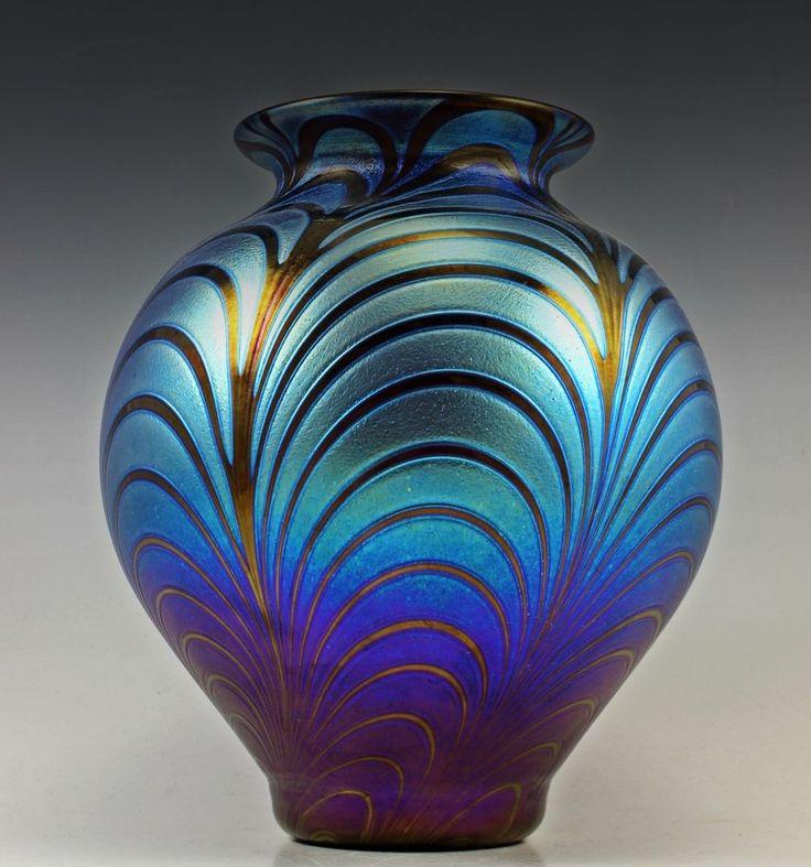 Glamorous Bohemian Art Deco Glass Cabinet Iridescent Flower Glass Vase