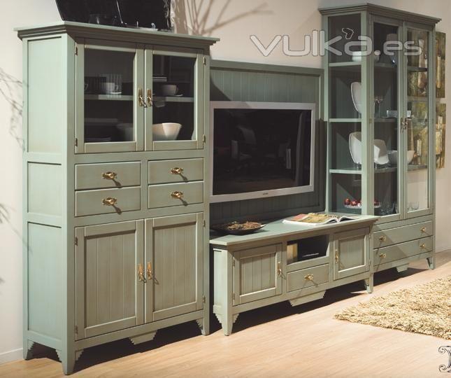 Vitrinas y mueble tv verde envejecido decapado casa jo - Decapado de muebles ...