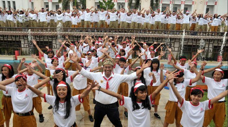Dahlan enjoy Flashmob with student's