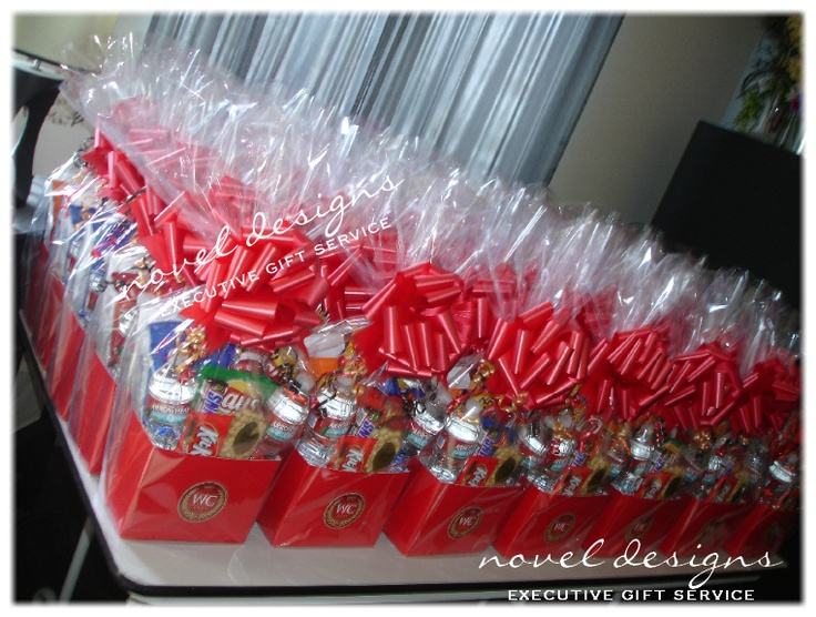 Best 25 corporate gift baskets ideas on pinterest for Corporate christmas party gift ideas