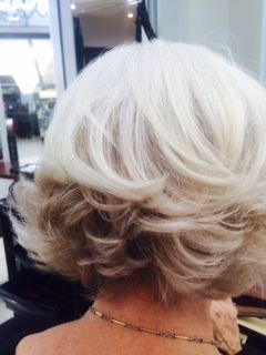Love this depth, my client is naturally 100% white, I added 8/07 koleston colour in the nape area with a few hand painted weaves throughout the interior. #amandatheartofhair #shorthair#blondehair #brisbanehairdresser