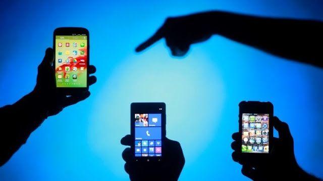 Los iPhone de Apple los teléfonos celulares más contaminantes.   Tras analizar los datos disponibles sobre varios modelos de teléfonos celulares un estudio realizado por investigadores de una universidad británica ha presentado una comparación que muestra cuánto y cómo estos modelos afectan al medioambiente.  Unestudiollevado a cabo por los investigadores de la Universidad de Surrey JamesSuckling yJacquettaLee ha comparado el impacto medioambiental de distintos teléfonos celulares medido en…