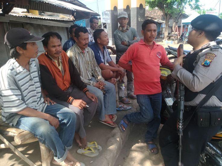 NGULING - Kepolisian Sektor Nguling Polres Pasuruan Kota melaksanakan kegiatan patroli dialogis pada hari Minggu 09/07 Kegiatan patroli dia...