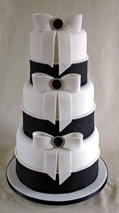 Three Layer Black & White Cake. This is so pretty, make it Navy instead of Black and it would be perfect!!!