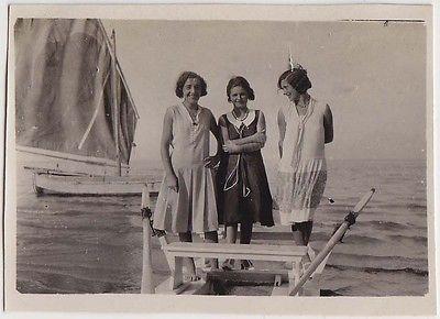 Foto anni 20 Viserba Rimini Bellezze al bagno moscone e barca_Romagna_60
